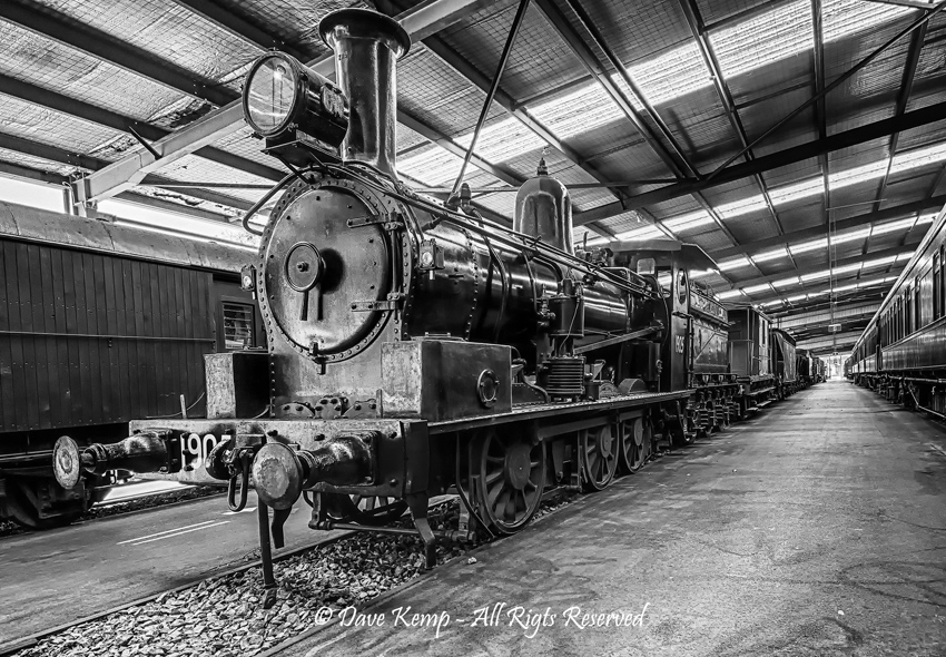 Loco 1905 by Dave Kemp