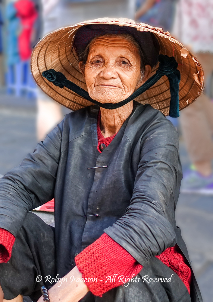 Vietnamese Lady by Robyn Isaacson