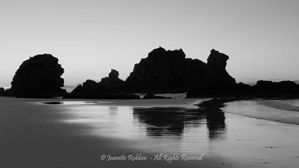 Camel rock at sunrise by Jeanette Robben